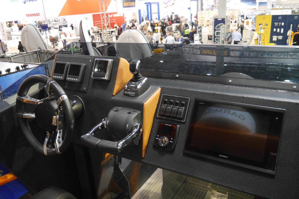 Flybridge of AluVenture 11000XE