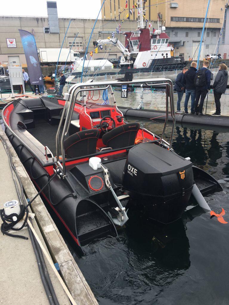 En demo båt av typen Polar Circle RIB og OXE Diesel utenbords motor