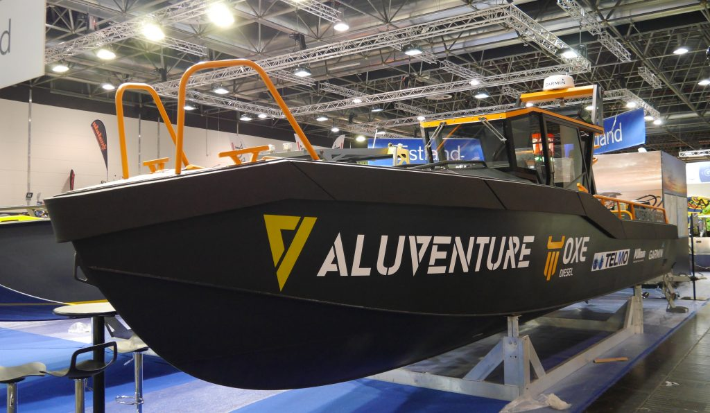 Side view of AluVenture 11000XE