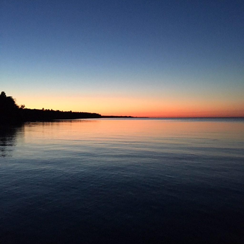 Soloppgang ifra Mõntu Havn, Saaremaa, Estland