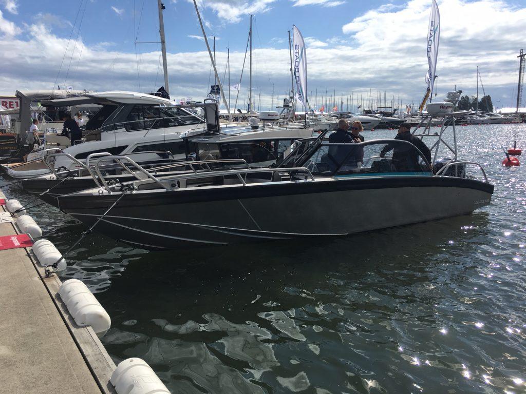Vi har ikke sett så mange Viggo båter tidligere men de stilte ut hele sitt model program (X8 & C8) i Uiva