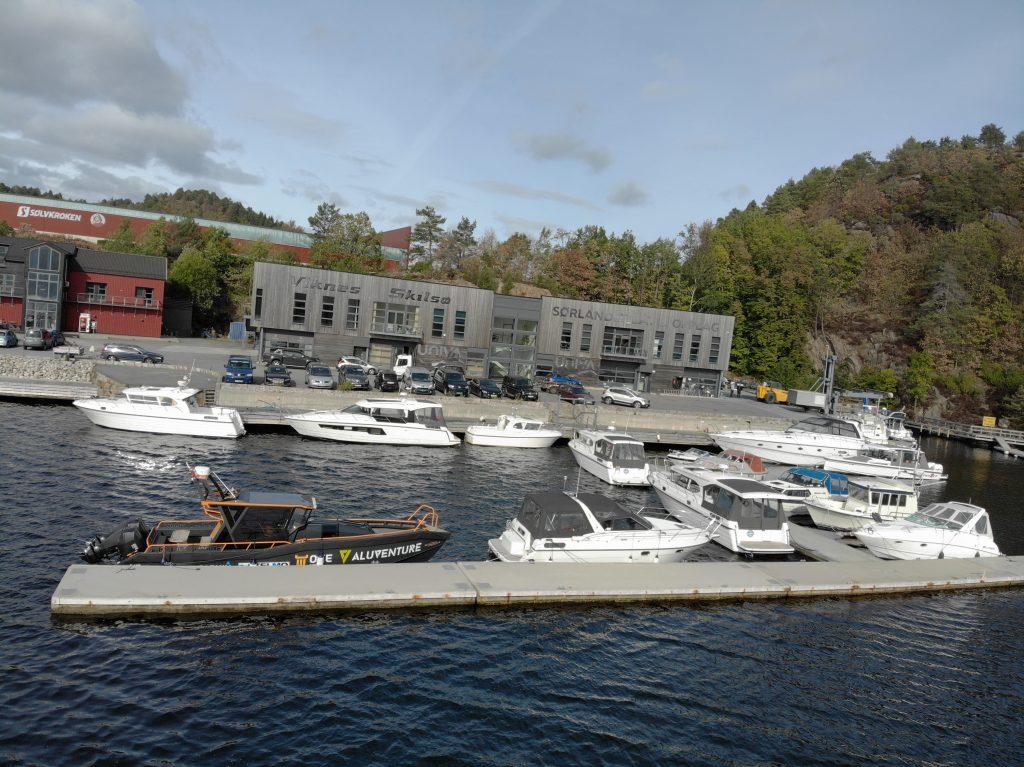 Demobåten ved UNIVA i Arendal